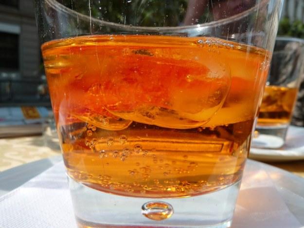Crodino Aperitif with ice and orange