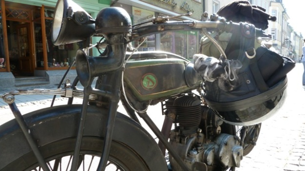 D-Rad R O/4 Motorbike front view from the right