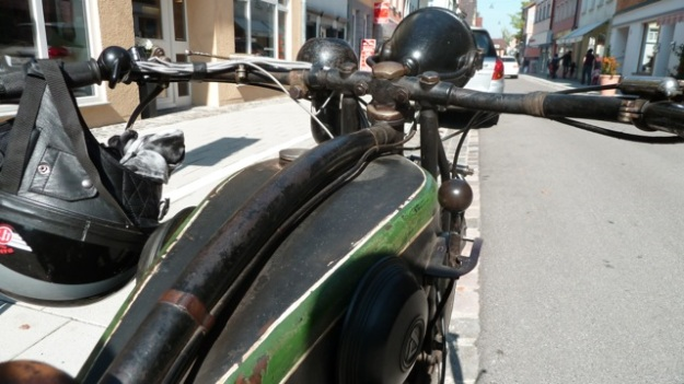 D-Rad R O/4 Motorbike handlebar backview
