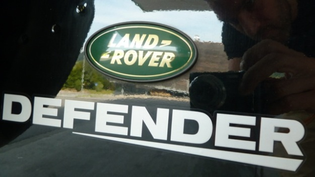 Land-Rover Defender badge new one