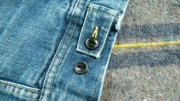 Lee Storm Rider denim jacket - buttons backside view