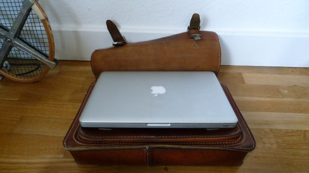 Ruitertassen briefcase leather perfect size for macbook pro 13