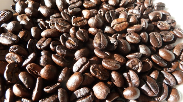 home coffee roasting with the whirley - beans ready without beans