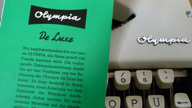 olympia de luxe travel typewriter instruction leaflet