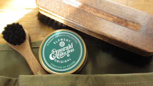 Element emerald collection giveaway shoecare set content