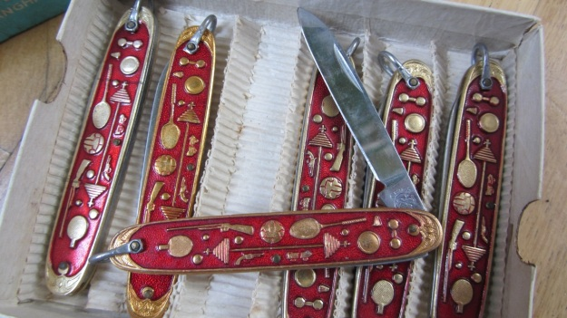chinese multi purpose pocket knife - one knife open