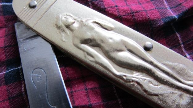 nude pocket knife from gasoline alley munich - closeup