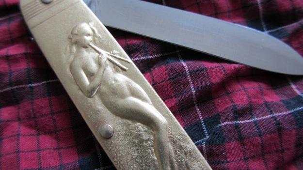 nude pocket knife from gasoline alley munich - nude with flute