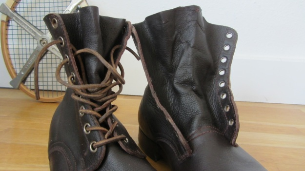 swedish army boots brown from 1943 laced and unlaced