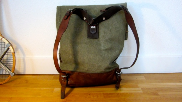swiss army backpack salt and pepper small - light one, view of the straps