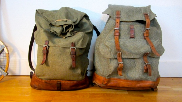 swiss army backpack salt and pepper small vs. big, both compared from the side