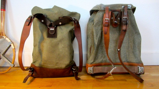 swiss army backpack salt and pepper small vs. big compared from the back