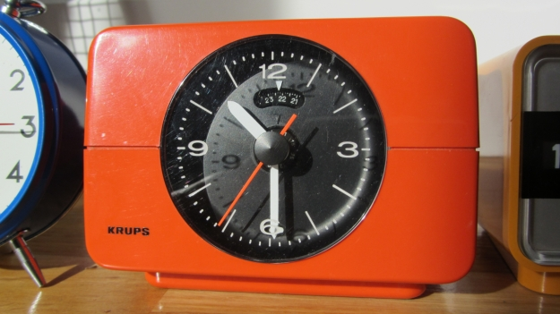 alarm clocks - 5 more minutes ! a vintage orange krups
