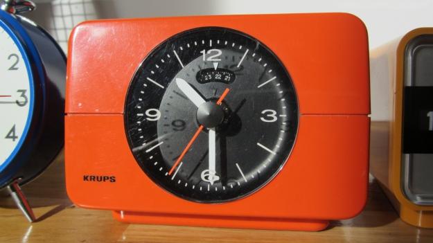 alarm clocks - 5 more minutes ! a vintage orange krups