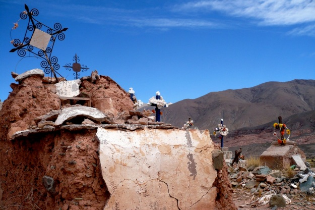 beautiful argentina - grave on routa 40