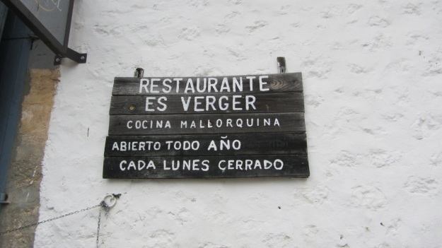 es verger restaurant alaró mallorca sign open times