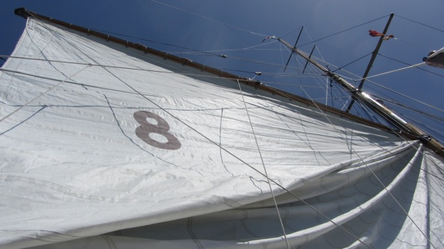 Moonbeam IV Yacht - sail - the eight