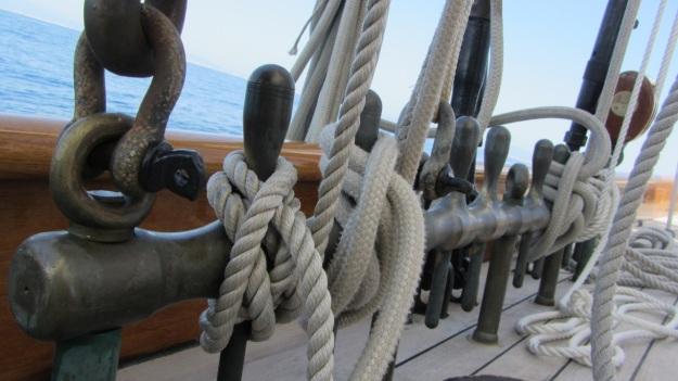 Moonbeam IV Yacht details - ropes