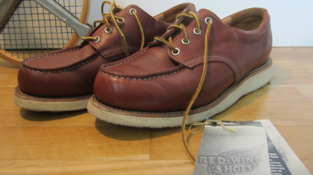 Red Wing Shoes Oxford 3112 – full view with original booklet