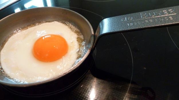 my de buyer cast iron breakfast pan, best for fried eggs