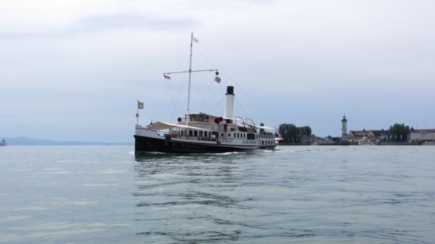 hohentwiel schaufelraddamper - paddlewheeler bodensee - lake of constance