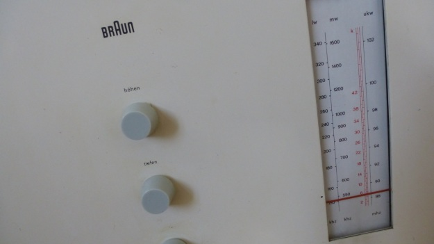 Braun RT 20 Radio - frequency dials