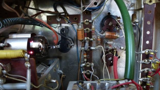 Braun RT 20 Radio - details with tubes