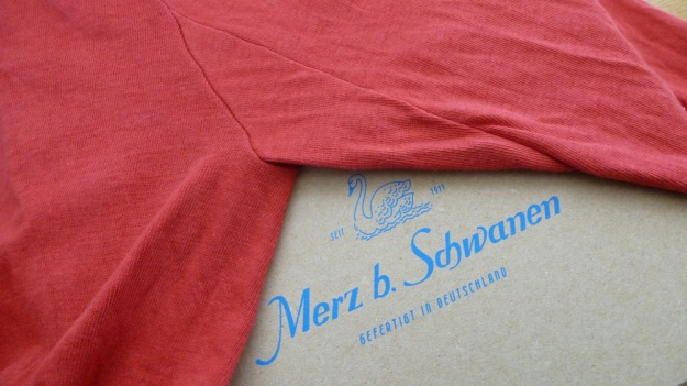 Merz b. Schwanen 206 button facing shirt red, arm insert