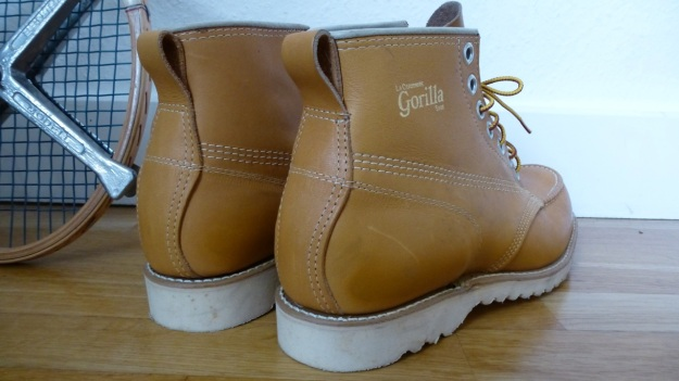Gorilla shoe la chaussure - made in canada moc toe boot backside view