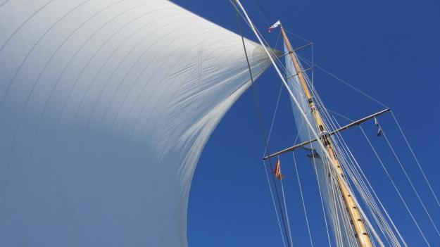 sailing moonbeam IV sails