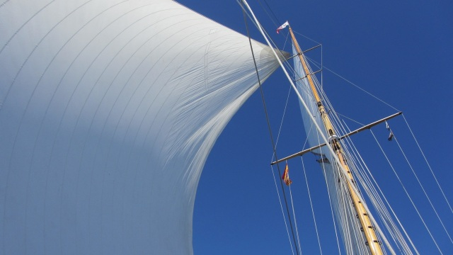 sailing moonbeam IV sails