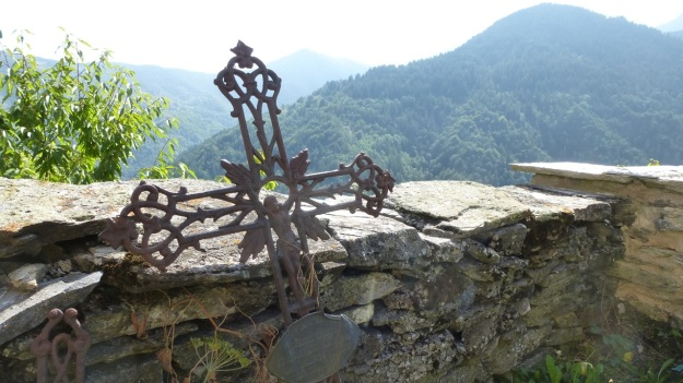 Valle Maira - Cemetery iron cross
