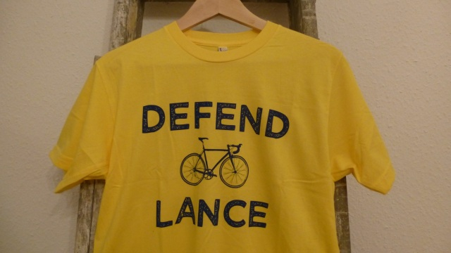 Defend Lance - Pedal Pushers T-Shirt full view yellow tricot