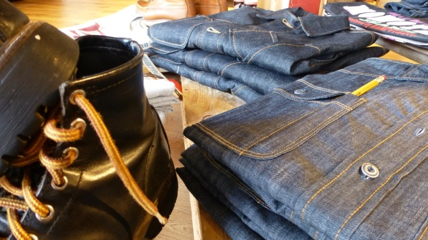 Ecke32 Manufacture Store Konstanz, vintage red wings and tellason topper denim shirt