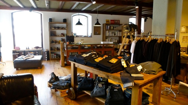 Ecke32 Manufacture Store Konstanz - full view frontroom