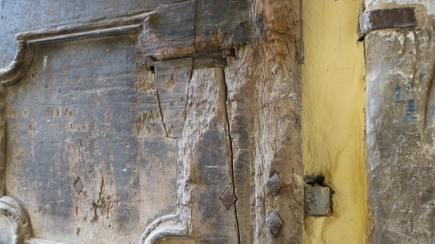 old doors in italy - saluzzo