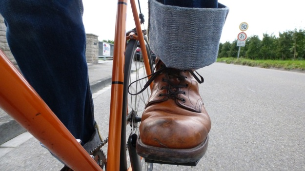 Red Wing 9013 Boots cycling with Fuji Singlespeed orange