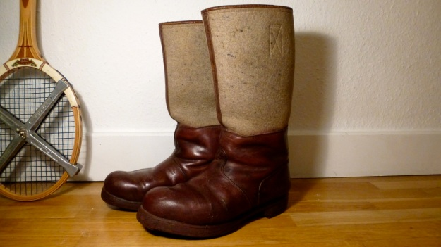 brown felt boots - santa claus - chestnuts vintage leather
