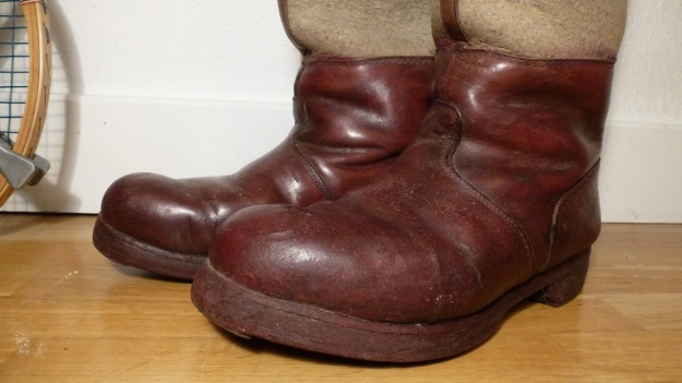brown felt boots - santa claus - chestnuts vintage leather closer details