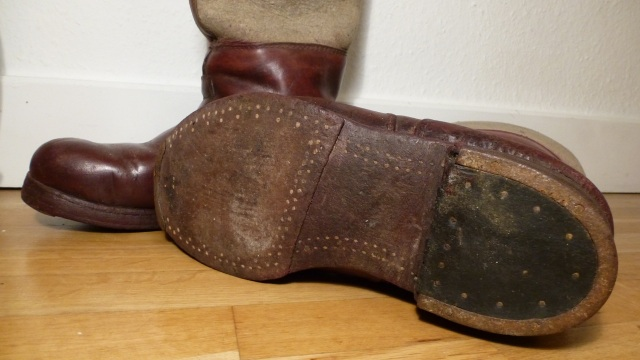 brown felt boots - santa claus style, sole wooden nails and horseshoed