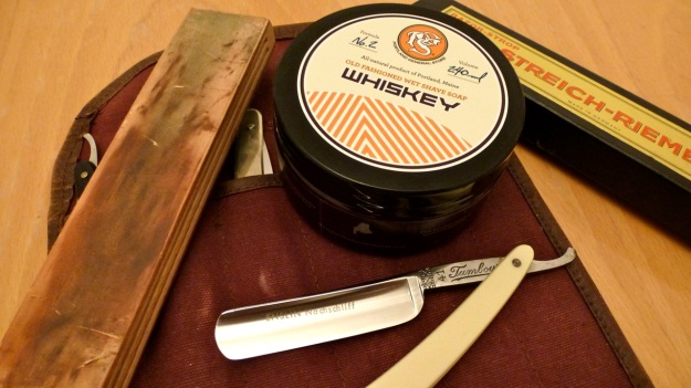 Welcom to the Shaveclub - Whiskey shave soap by Portland General Store with straight razor