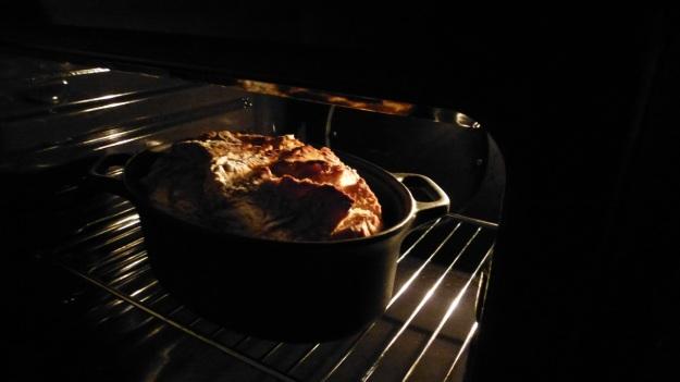 Bread and Pizza Workshop iron cast pot bread
