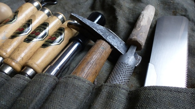Woodworking canvas tool roll hammer