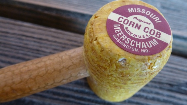 Missouri Meerschaum Corn Cob pipe
