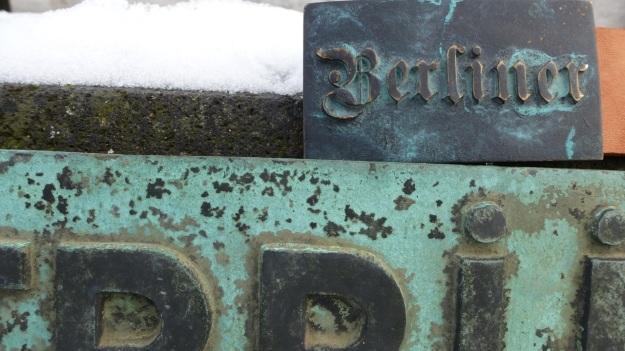 Platz der Luftbrücke Berlin - Feinschuck Berlin Belt Buckle2