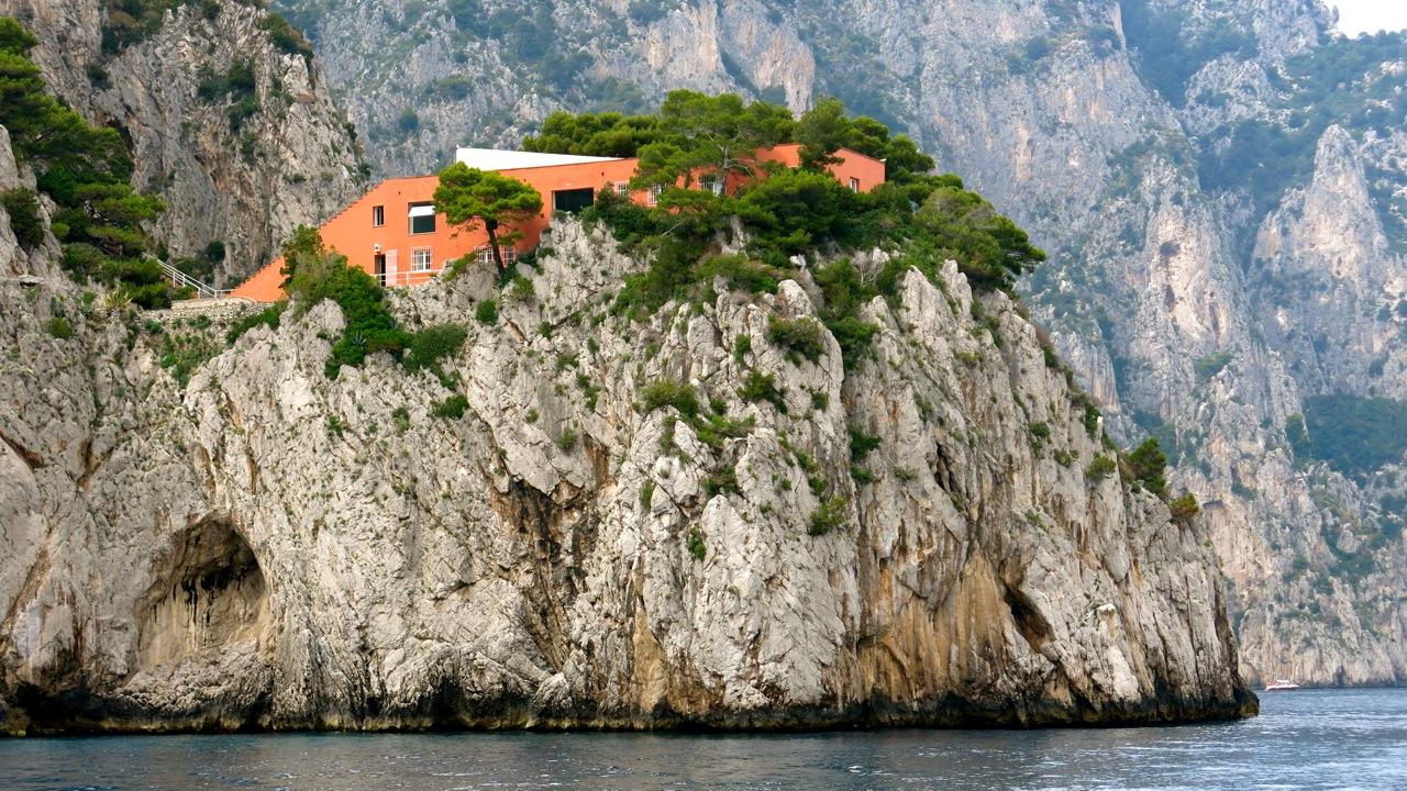 Villa malaparte be cause style travel collecting and for Villa curzio malaparte