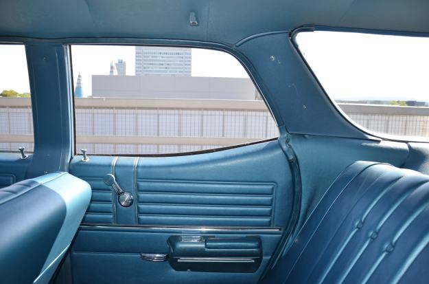 68er Chevelle Malibu Station Wagon backseat
