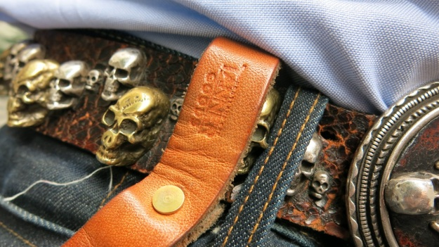 Skull belt and Tanner Goods Workmen Wallet on long tether detail
