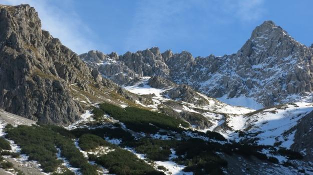 Hiking to the Sarotlahütte  800
