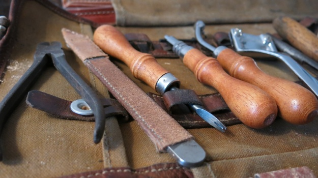 be-cause blog leather workshop ott workbench 359
